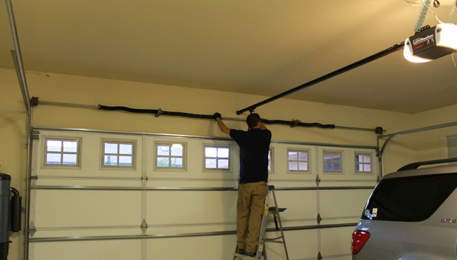 Garage Door Repair U0026 Installation In Hutto, TX | Cedar Park Garage Door  Services
